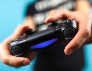 Веселье без границ! Посещение зоны PlayStation PS Arena и автосимулятора Sim Racing со скидкой до 50% в ТФЦ «MART Village»!