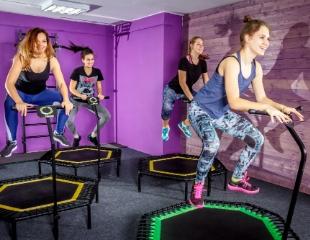 Теперь красивое тело — это еще и весело! Скидка 50% на занятия фитнесом на батутах в центре Almissa!