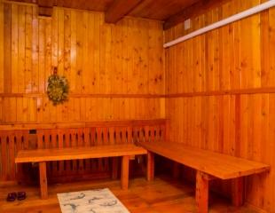 С легким паров и вдали от городской суеты! Посещение русской бани в горах на берегу реки со скидкой 50% на базе отдыха «Sun Day»!