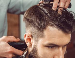 Мужские и детские стрижки, моделирование бороды и др. услуги от барбера Руслана в салоне красоты SisLab со скидкой до 50%!