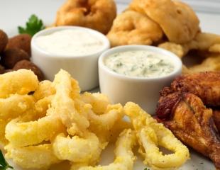 Вечер, который запомнится! Аппетитные сеты с пенными напитками и горячими закусками в Good Bar со скидкой до 61%!