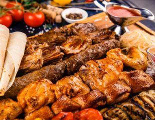 Отлично проведи время с друзьями! Любимые блюда в кафе Miaso Pech на Момышулы со скидкой 50% на меню и бар!