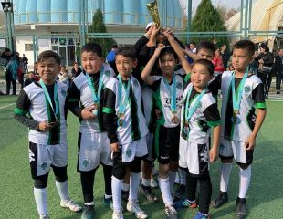 Воспитаем победителя! 1, 2 и 3 месяца обучения футболу со скидкой 55% в ZhaStar Football Club! Спортивная форма в подарок!