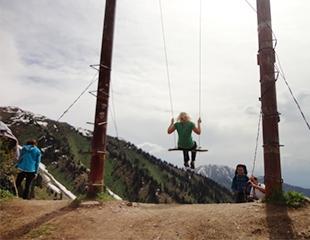 Прекрасные зимние горы! Тур Ким-Асаровское ущелье — «Качели» от I love Almaty mountains со скидкой 40%!