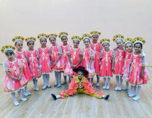 Эстрадные, тематические, народные, классические танцы для детей 3-8 лет в танцевальной студии Flower Dance со скидкой до 52%!