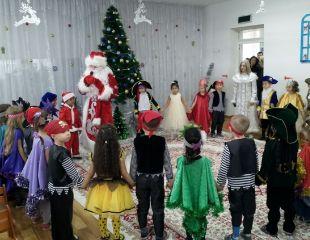 Праздничное настроение с доставкой на дом! Новогодние поздравления от Деда Мороза и Снегурочки с 28 декабря по 2 января со скидкой до  48% от агентства Маскарад!