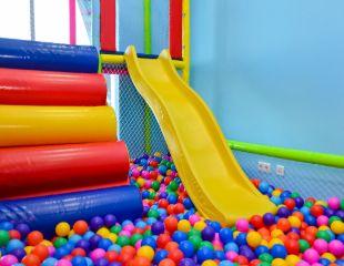 Игровая зона FastracKids в Алматы Арене для детей от 2 до 12 лет со скидкой 50%!