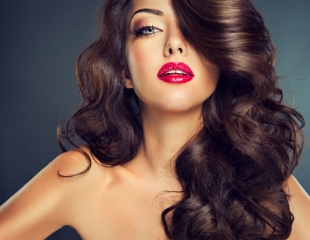 Женские стрижки, полировка, выпрямление волос и укладка от мастера Айгуль со скидкой до 79%!