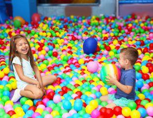 Ваш ребенок под присмотром! Посещение няни-центра для детей Sima Land со скидкой 50%!