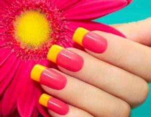 Маникюр для женщин и мужчин, а также наращивание ногтей со скидкой до 73% в салоне красоты Steal the Show!