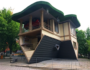 Долгожданное открытие! Теперь получить незабываемые впечатления можно и в Шымкенте! Посетите аттракцион «Перевернутый дом» со скидкой до 35%!