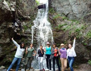 Самый популярный маршрут всех алматинцев! Тур Просвещенец — Кок-Жайляу — водопад «Батарейка» от I love Almaty mountains со скидкой 40%!