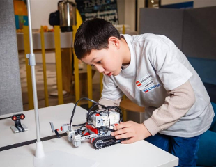 Шагни в будущее! Обучение робототехнике от технического центра Robo Park со скидкой 50%!