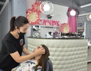 Идеальные штрихи! Коррекция и окрашивание бровей, ламинация ресниц, а также удаление волос с различных частей лица от Candy Brow Bar со скидкой 50%!