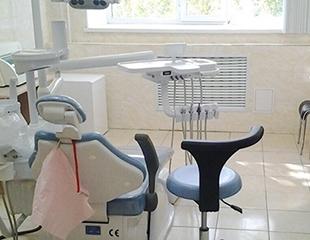 Сияющая улыбка! Сертификаты на лечение, а также комплексная ультразвуковая чистка + Air Flow в стоматологии Expo Dent со скидкой до 81%!