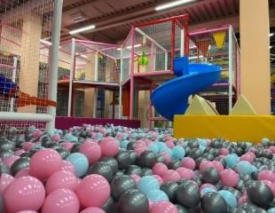 Посещение детского развлекательного центра Play Park в ТРЦ Nauryz Park со скидкой 50%!